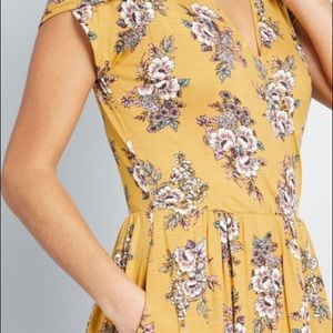 Modcloth Dresses - ModCloth yellow floral dress🌺